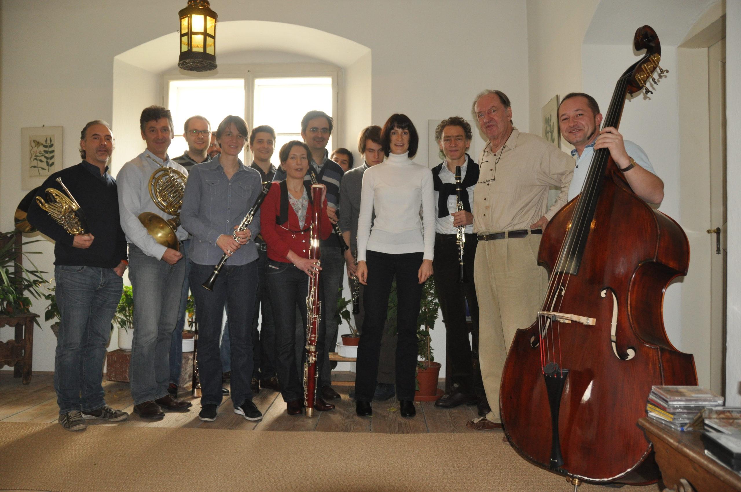 Nikolaus Harnoncourt und Mitglieder der Philharmonia Zürich